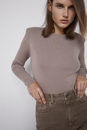 KNIT SWEATER WITH SHOULDER PADS